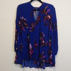 Free People XS blue floral tunic